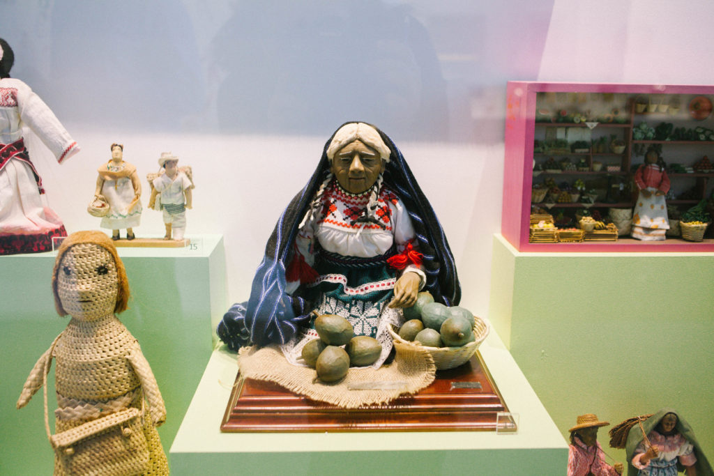 Avocado seller sculpture Mexican in Museo de Arte Popular
